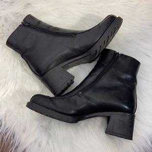 Vtg Y2K Black Square Toe Chunky Heel Ankle Boots